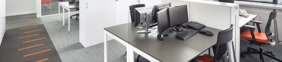projektowanie-wnetrz-biurowych-meble-do-nieformalnego-biura