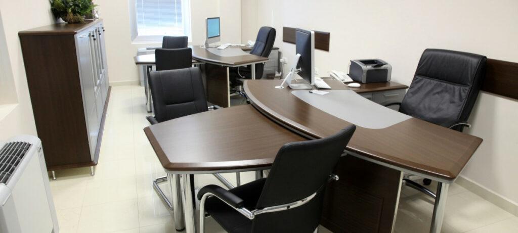 aranzacja biura jaka wybrac wykladzine 1024x461 - Aranżacja biura – jaką wybrać wykładzinę