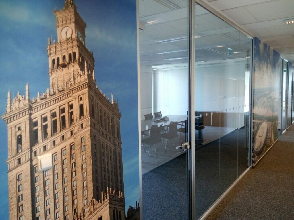 P70527 073810 1024x768 - Rozbudowa biura w  Platinium Business Park