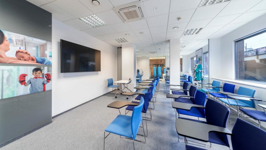 Centrum Edukacji BAXTER reali INTERBIURO fot Szymon Polanski 6178 1024x576 - Centrum Edukacyjne Baxter Polska