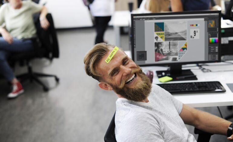 adult 2449725 1280 770x470 - Aranżacja biura - sposób na lepszą efektywność pracy!
