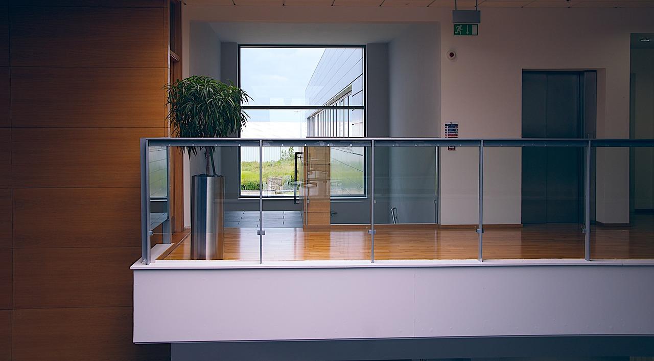 modern office 1044807 1280 - Rośliny w biurze - oczyszczanie powietrza, redukcja stresu i ekowizerunek firmy!