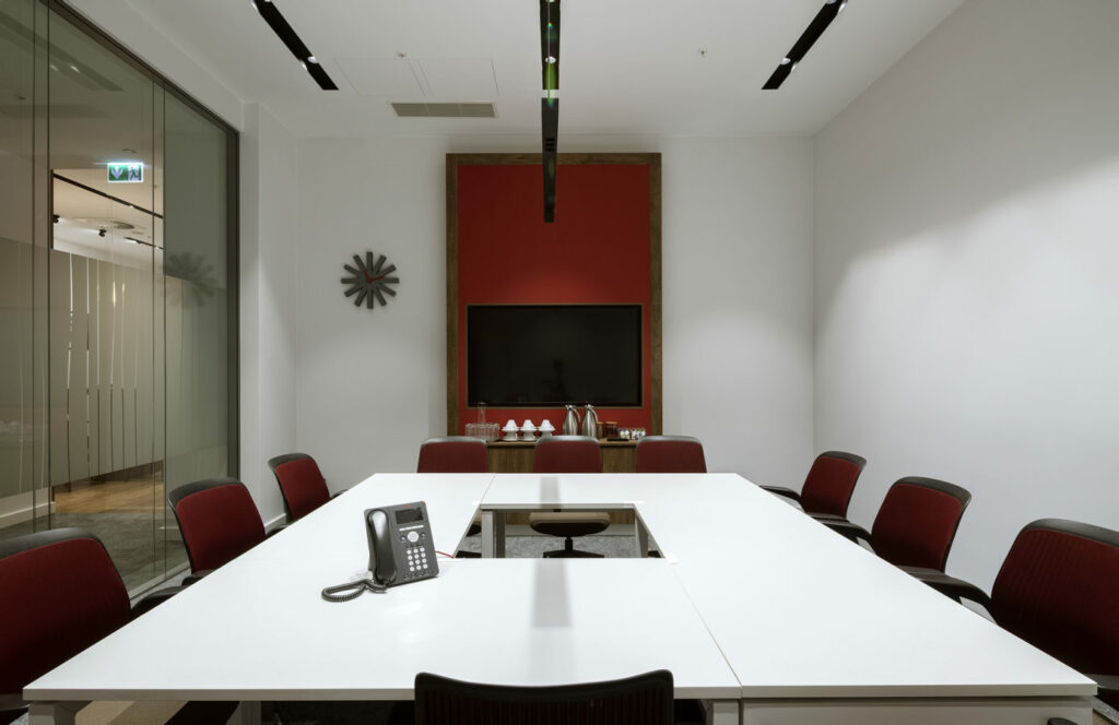 HMP2432 copy 1024x664 - We design and do office space projects - Warsaw