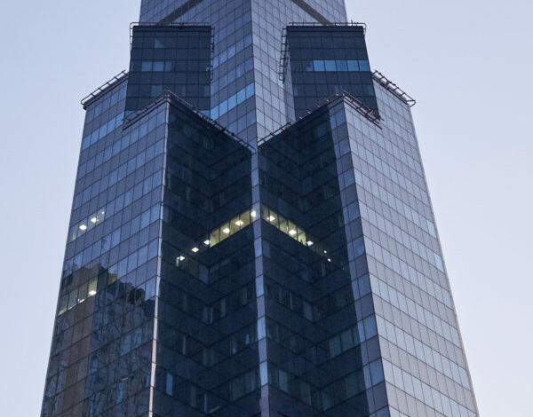Central Tower 9 600x470 - Interbiuro projektuje i realizuje biuro w Central Tower